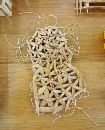 Nikos Alexiou, Grid, reed, string, 22x30cm