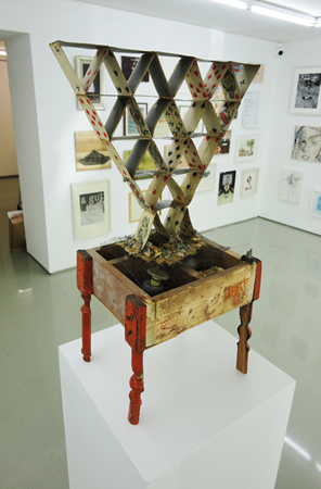 Stefanos Kamaris, Klement Tchtatelnikov, Magic Machine _ Ikar II, circa 1929, 2011, mixed media, 44x29x74cm