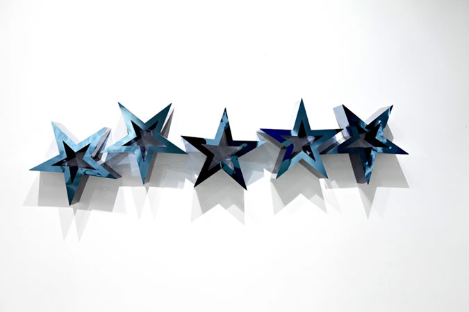 :mentalKLINIK, Favorite (deep blue), 2011, Titanium Coated Stailness Steel, 250x50x25cm