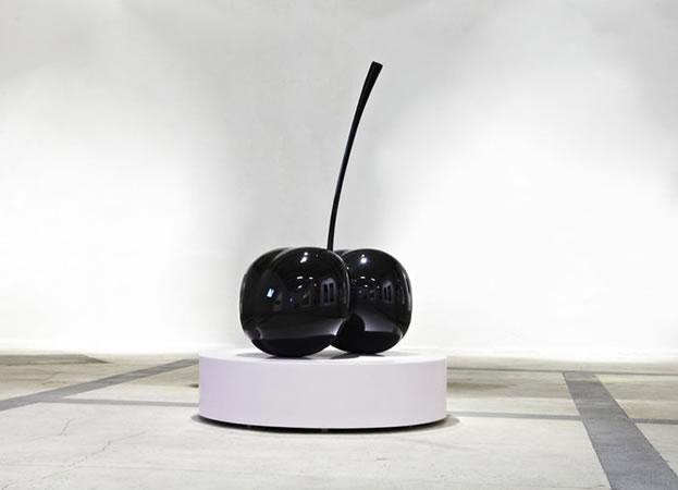 :mentalKLINIK, Double Cherry, 2011, Aluminium cast, high gloss paint spray finish, 117x170x72cm