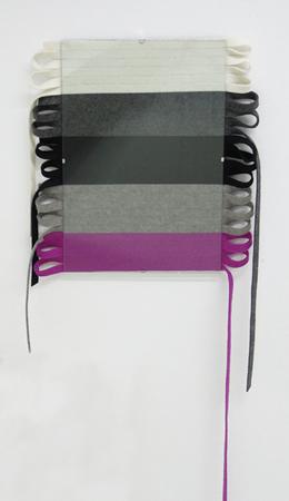 Tula Plumi, Untitled, 2013, wool strings, clip frame, 38x32cm